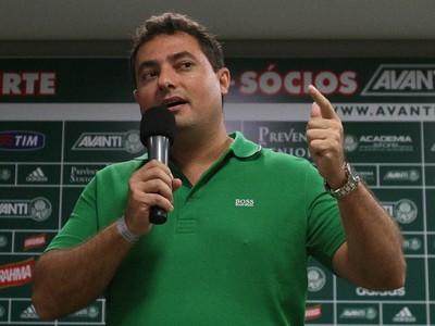 Alexandre Mattos, diretor de futebol do Palmeiras, está atento ao mercado (Cesar Greco/Ag Palmeiras/Divulgação)