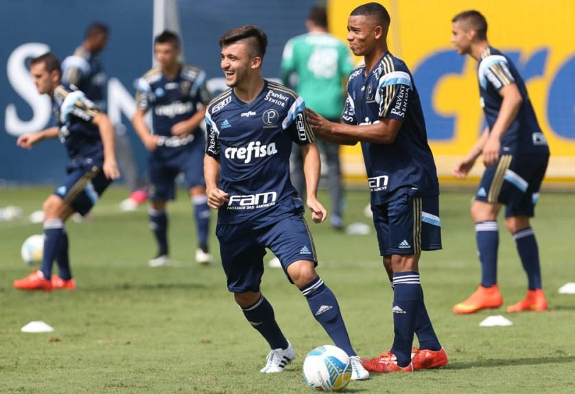 Victor Luis foi relacionado para partida contra o Red Bull, em Campinas. (Cesar Greco/Ag. Palmeiras/Divulgação)