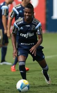 Kelvin está treinando normalmente e pode ser inscrito na 2ª fase do Paulista. (Cesar Greco/Ag. Palmeiras/Divulgação)