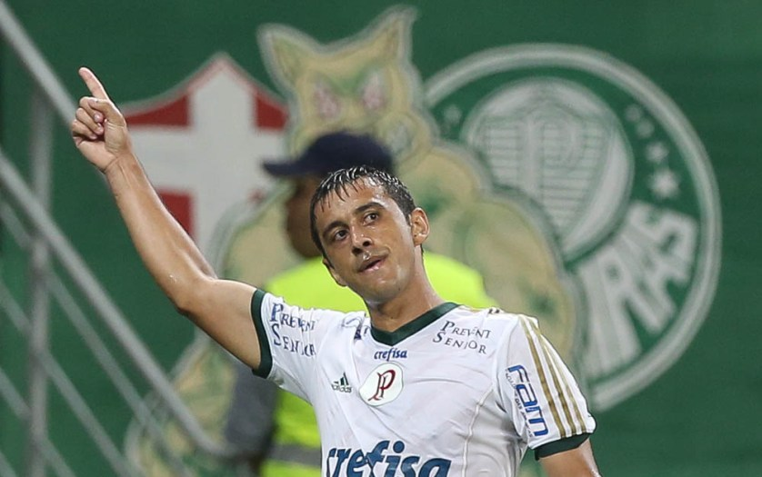 Robinho, junto com Dudu, deu show no primeiro tempo contra o Mogi. (Cesar Greco/Ag. Palmeiras/Divulgação)