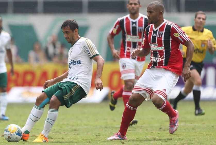 Robinho é o responsável pela armação do time  (Cesar Greco/Ag Palmeiras/Divulgação)