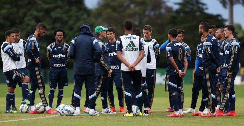 Palmeiras voltou a treinar visando o clássico de domingo, em Itaquera. (Cesar Greco/Ag. Palmeiras/Divulgação)