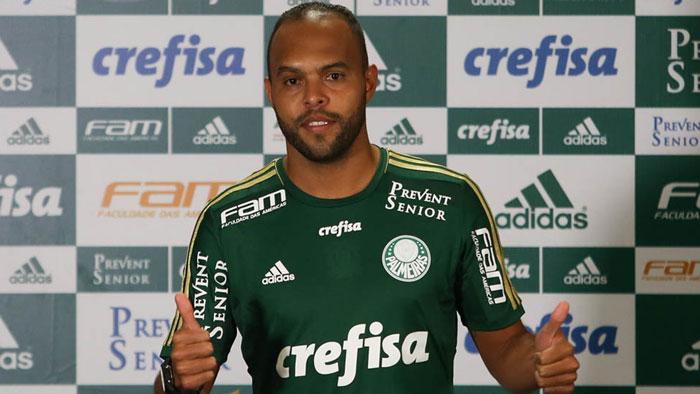 Alecsandro é mais um reforço do Verdão para restante da temporada. (Cesar Greco/Ag. Palmeiras/Divulgação)