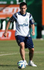 Mouche se recupera e espera voltar ao time (Cesar Greco/Ag Palmeiras/Divulgação)