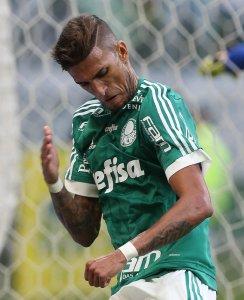 Rafael Marques anotou o primeiro gol da equipe palmeirense na partida. (Cesar Greco/Ag.Palmeiras/Divulgação)