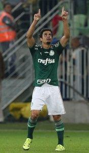 Egídio abriu o placar contra a Chape, marcando seu primeiro gol com a camisa do Verdão. (Cesar Greco/Ag. Palmeiras/Divulgação)