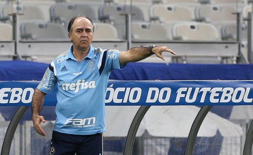 O técnico Marcelo Oliveira não gostou do desempenho do time no primeiro tempo contra o Cruzeiro. (Cesar Greco/Ag. Palmeiras/Divulgação)