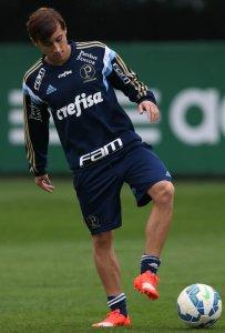 Arancibia festejou a primeira convocação com o time profissional (Cesar Greco/Ag. Palmeiras/Divulgação)