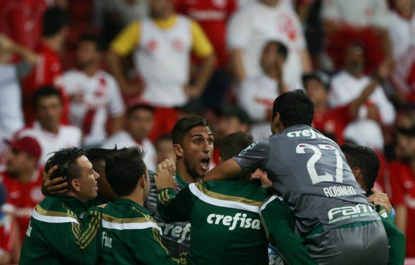 Lucas deu assistência para o gol de Rafael Marques no Beira-Rio. (Cesar Greco/Ag.Palmeiras/Divulgação)