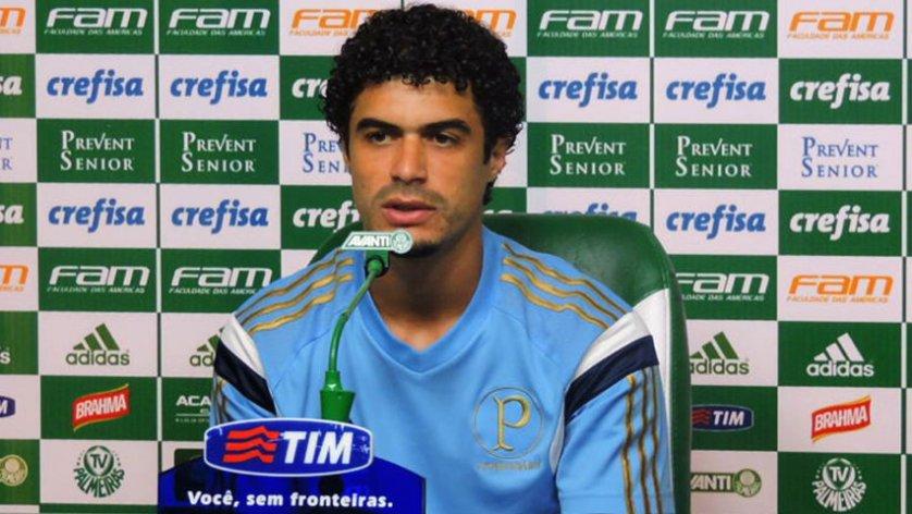 Lateral Egídio concedeu entrevista coletiva na Academia de Futebol nesta terça (27). (Mídia Palmeirense)