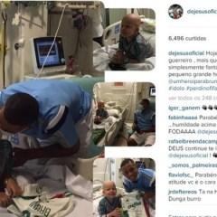 Gabriel Jesus realiza sonho de portador de leucemia e joga videogame no hospital