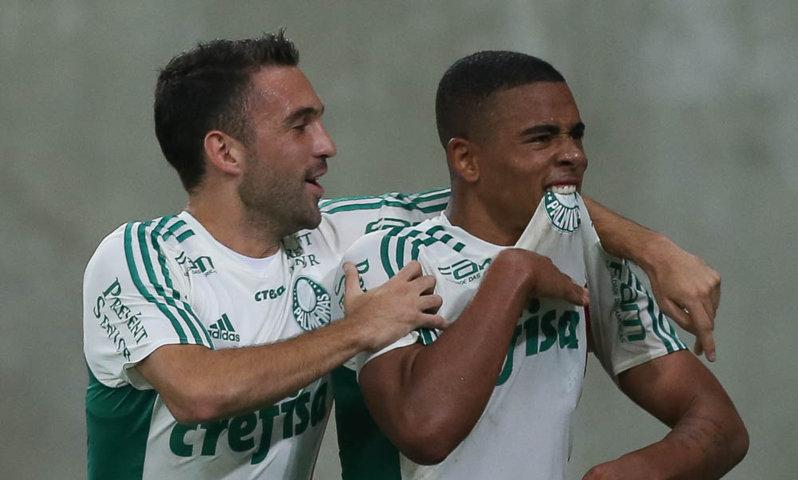Gabriel Jesus e o meia Allione foram dois dos destaques da partida. (Cesar Greco/Ag. Palmeiras/Divulgação)