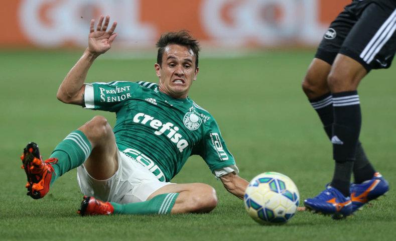 Lucas demonstrou insatisfação com o resultado após a partida. (Cesar Greco/Ag.Palmeiras/Divulgação)