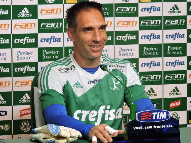 Fernando Prass concedeu entrevista coletiva na tarde desta quinta-feira (29) na Academia de Futebol. (Mídia Palmeirense)