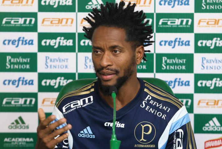 Zé Roberto concedeu entrevista coletiva na Academia de Futebol nesta quarta-feira (7). (Cesar Greco/Ag.Palmeiras/Divulgação)