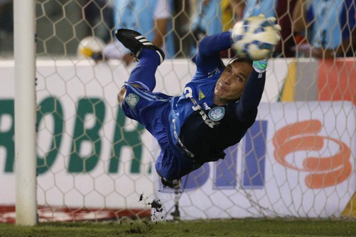Com ótimas intervenções, Fernando Prass se destacou no primeiro jogo da decisão. (Cesar Greco/Ag.Palmeiras/Divulgação)