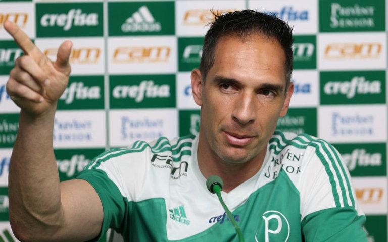 Fernando Prass concedeu entrevista coletiva na Academia de Futebol nesta quinta-feira (26). (Cesar Greco/Ag.Palmeiras/Divulgação)