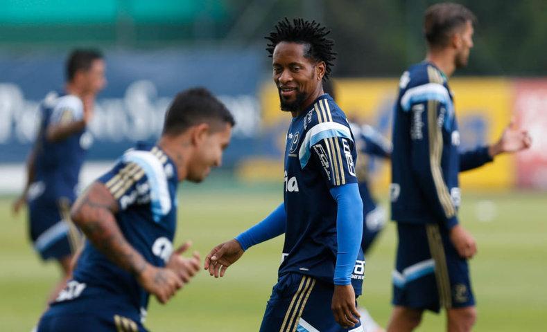 Os jogadores realizaram um treino tático nesta manhã de segunda-feira (23). (Cesar Greco/Ag. Palmeiras/Divulgação)