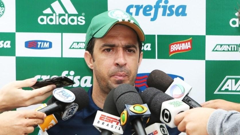O técnico João Burse comandou o treino da equipe sub-20 na Academia de Futebol. (Fabio Menotti/Ag. Palmeiras/Divulgação)