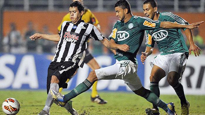 Verdão também encarou o Libertad-PAR em sua última participação na Copa Libertadores, em 2013. (Divulgação)