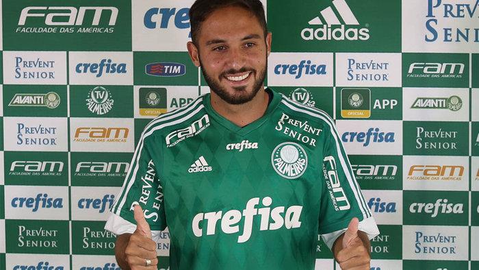 Meia Régis foi apresentado oficialmente na tarde desta sexta-feira (15) em Itu. (Cesar Greco/Ag.Palmeiras/Divulgação)
