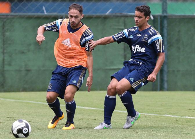 Régis e Jean, que ainda não estrearam pelo Verdão, estão entre os relacionados para a partida contra o Botafogo-SP. (Cesar Greco/Ag. Palmeiras/Divulgação)
