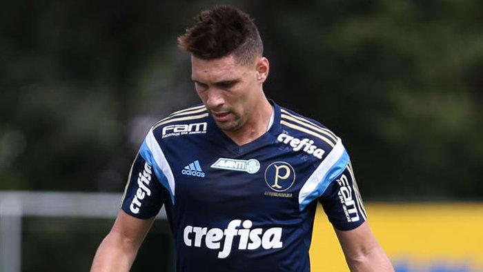O meia Moisés é um dos relacionados para o duelo deste sábado (13). (Cesar Greco/Ag.Palmeiras/Divulgação)