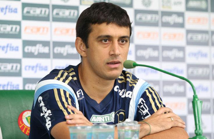 Robinho concedeu entrevista coletiva na Academia de Futebol nesta segunda-feira (08). (Cesar Greco/Ag.Palmeiras/Divulgação)