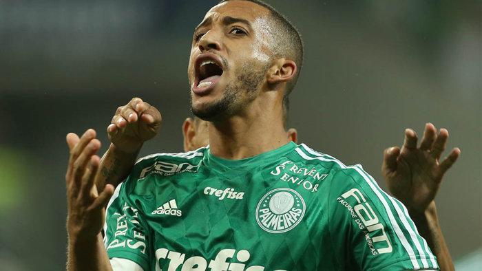 Vitor Hugo desviou a bola para o gol de empate contra o São Bento. (Cesar Greco/Ag.Palmeiras/Divulgação)