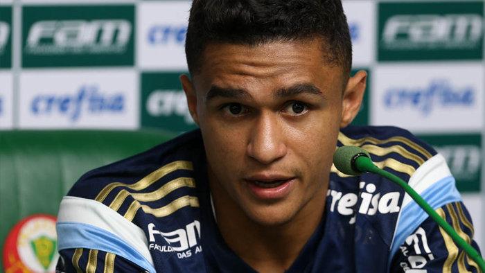 O atacante Erik concedeu entrevista coletiva nesta segunda-feira (21). (Cesar Greco/Ag Palmeiras/Divulgação)