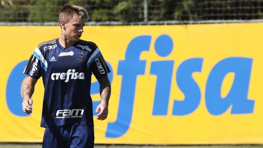 O atacante Róger Guedes assinou com o Verdão e já treinou na Academia de Futebol nesta quinta-feira (07). (Fabio Menoti/Ag Palmeiras/Divulgação)