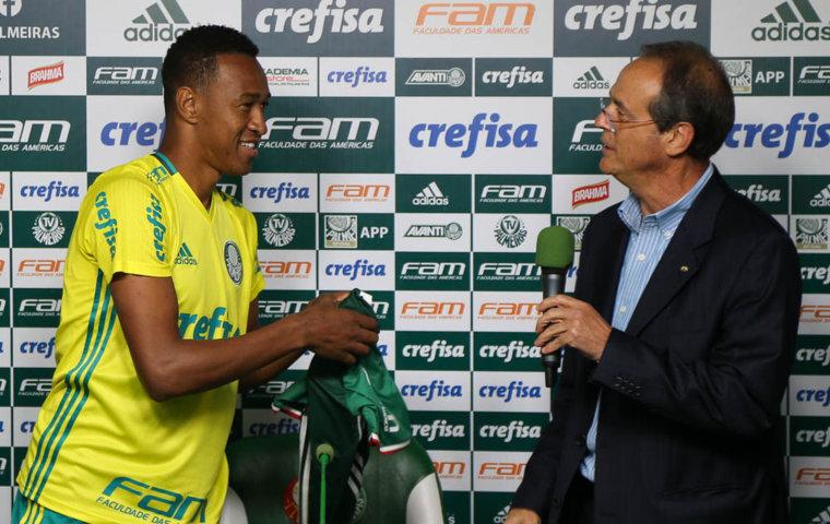 Fabrício foi apresentado oficialmente na Academia de Futebol nesta segunda (23). (Cesar Greco/Ag.Palmeiras/Divulgação)