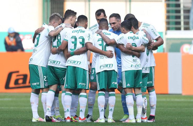 Com vitória sobre o Santa Cruz, Palmeiras assumiu a liderança do Campeonato Brasileiro. (Cesar Greco/Ag Palmeiras/Divulgação)