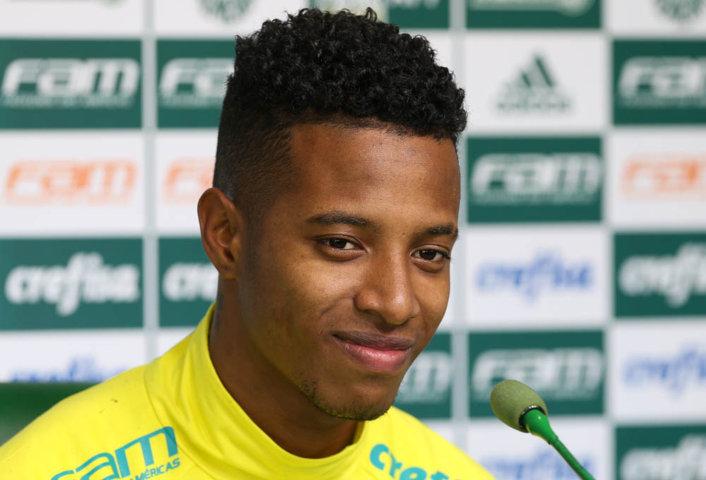Tchê Tchê concedeu entrevista coletiva após o treino desta terça-feira (14). (Cesar Greco/Ag Palmeiras/Divulgação)