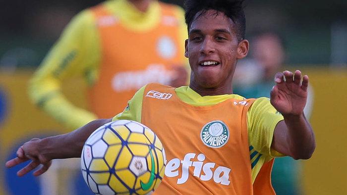 Revelação da base palmeirense, Vitinho estreou na vitória diante do América-MG. (Cesar Greco/Ag.Palmeiras/Divulgação)