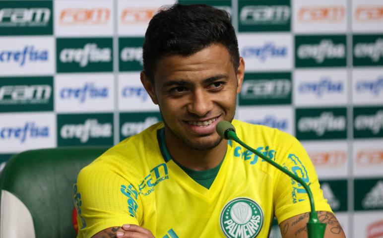 Cleiton Xavier concedeu entrevista coletiva nesta quarta-feira (10). (Cesar Greco/Ag.Palmeiras/Divulgação)