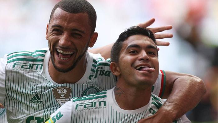 O capitão Dudu abriu o placar em Brasília. (Cesar Greco/Ag Palmeiras/Divulgação)