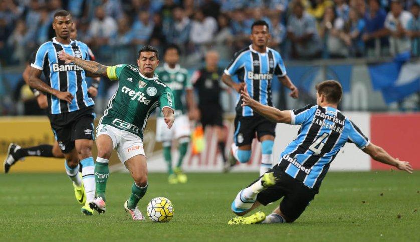 Diante de seu ex-clube, Dudu fez o 100º jogo com a camisa do Palmeiras. (Cesar Greco/Ag.Palmeiras/Divulgação)