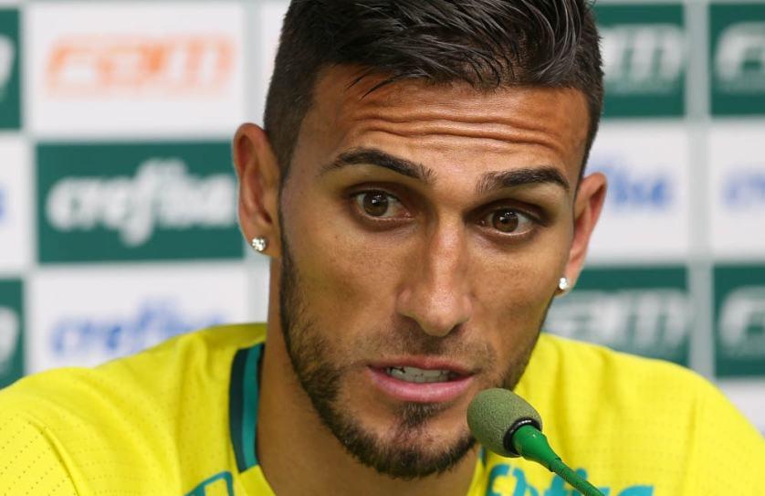 Rafael Marques concedeu entrevista coletiva na Academia de Futebol nesta quinta (01). (Cesar Greco/Ag.Palmeiras/Divulgação)