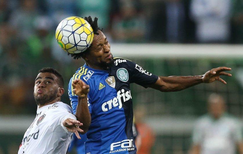 Zé Roberto voltou ao time titular do Palmeiras diante do Botafogo-PB. (Cesar Greco/Ag.Palmeiras/Divulgação)