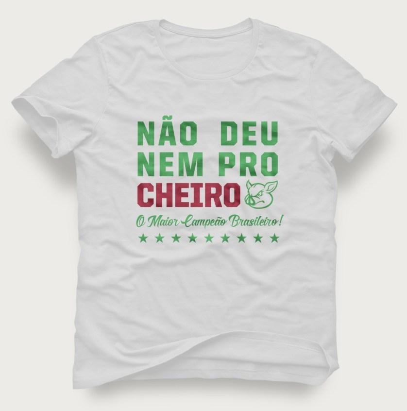 Torcedores lançam camisa comemorativa antecipando o eneacampeonato do Palmeiras. (Divulgação)