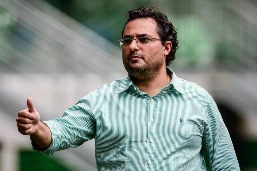No Palmeiras nas últimas duas temporadas, Alexandre Mattos renovou até o fim de 2018. (Fernando Dantas/Gazeta Press)