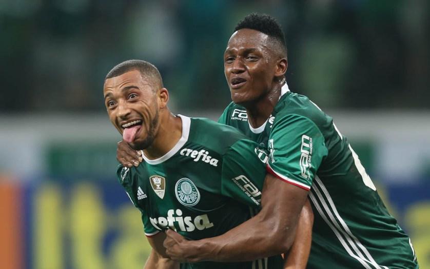 Juntos, os zagueiros Mina e Vitor Hugo marcaram nove gols nesta temporada. (Cesar Greco/Ag Palmeiras/Divulgação)