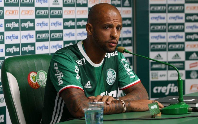 Felipe Melo foi apresentado oficialmente nesta terça-feira (17) na Academia de Futebol. (Cesar Greco/Ag.Palmeiras/Divulgação)