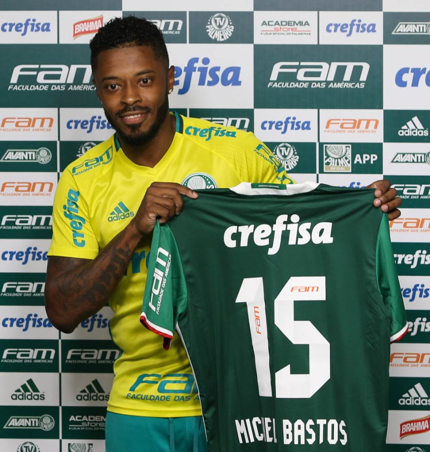 O meia Michel Bastos será o camisa 15. (Cesar Greco/Ag Palmeiras/Divulgação)