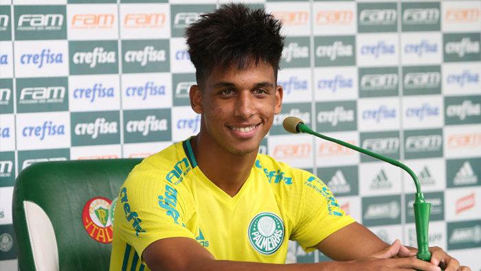 Vitinho mostra muita confiança em poder desempenhar um ótimo papel neste ano. (Cesar Greco/Ag Palmeiras/Divulgação)