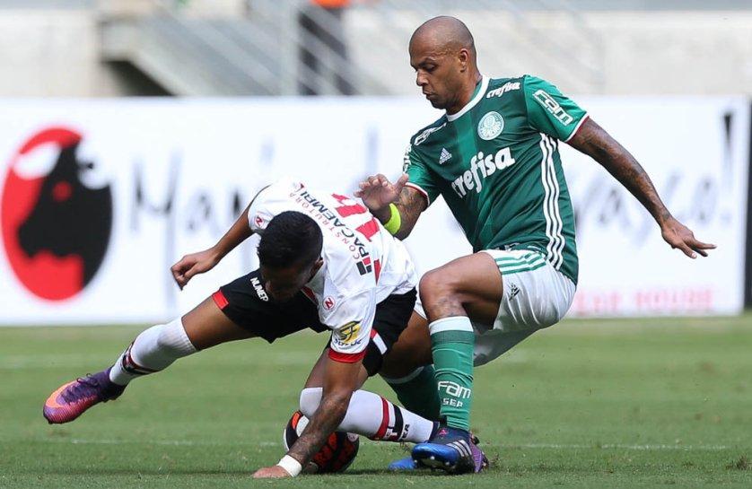 'Hoje valeu o espírito de grupo', disse Felipe Melo após a vitória sobre o Botafogo-SP. (Cesar Greco/Ag Palmeiras/Divulgação)