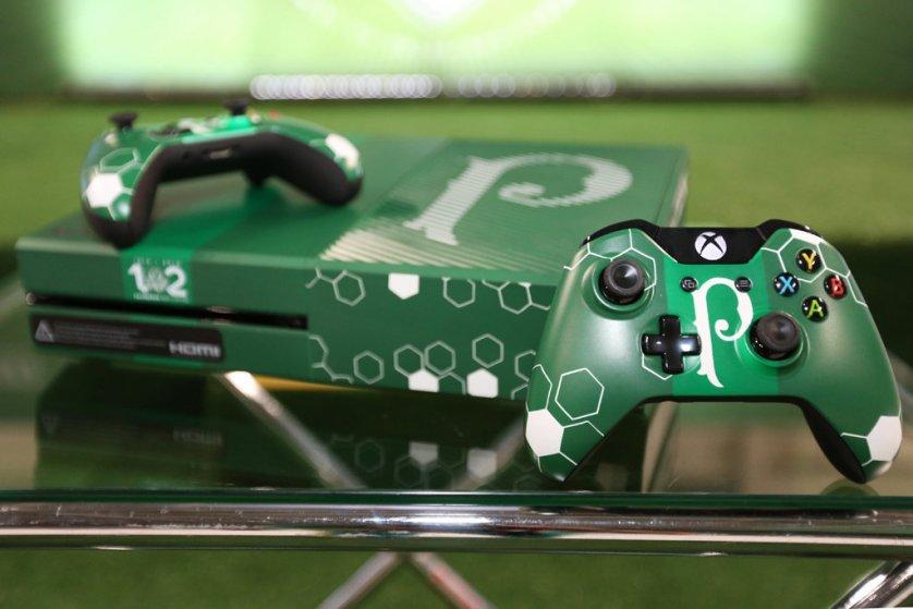 Vendas do Xbox alviverde começam no próximo mês. (Fabio Menotti/Ag.Palmeiras/Divulgação)