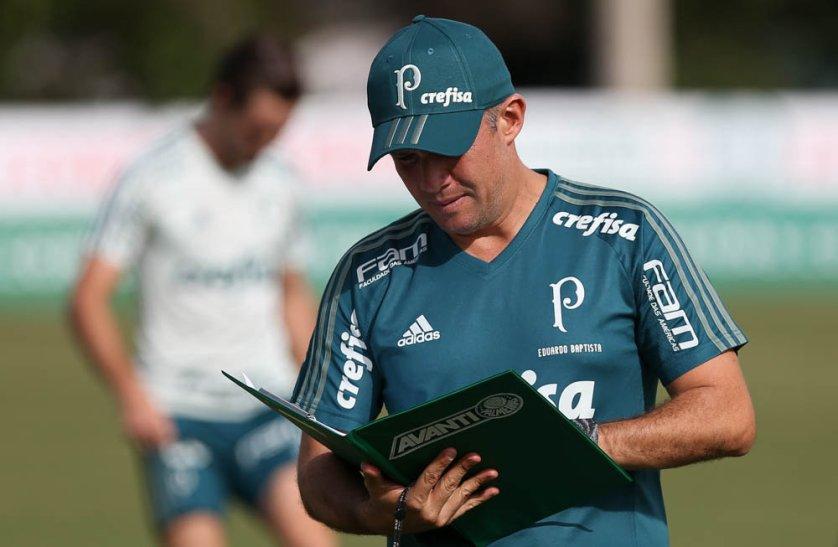 Neste domingo (05), Eduardo Baptista comandou treino técnico na Academia de Futebol. (Cesar Greco/Ag Palmeiras/Divulgação)