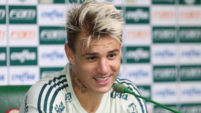 No último sábado (25), o atacante Róger Guedes marcou um dos gols no empate com o Audax. (Cesar Greco/Ag Palmeiras/Divulgação)